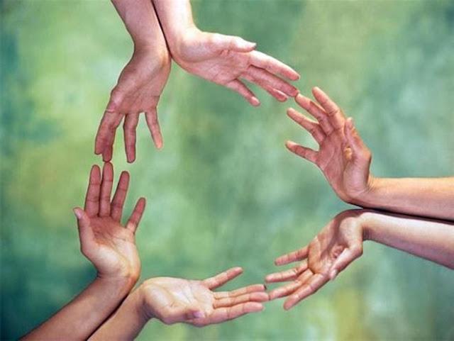 Resultado de imagen para imagenes de muchas manos unidas
